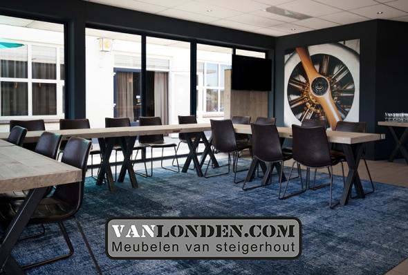Boarding Inrichting VanlondenCom Rooom Breda International Airport vergaderruimte