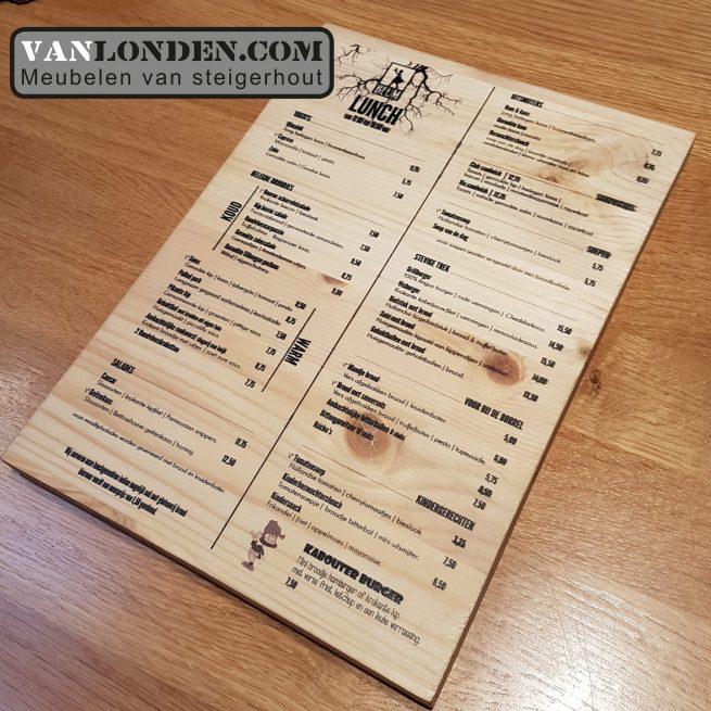 Menukaart op hout geprint (Onze splinternieuwe meubelen op een rij)
