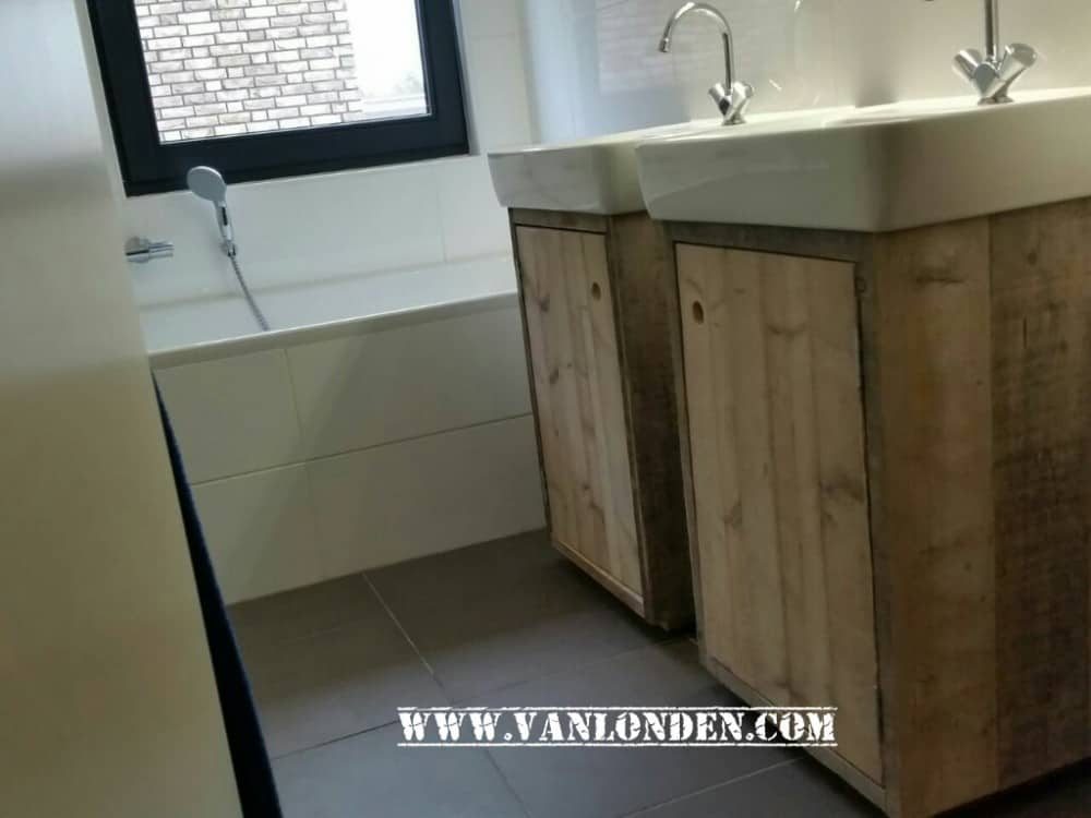 Steigerhouten badkamermeubel roos vanlonden steigerhout