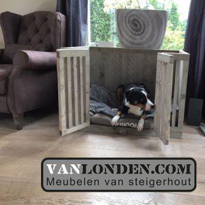 Steigerhouten hondenmand Scoop (Steigerhouten dieren accessoires kopen)