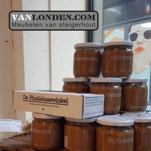 Steigerhouten interieur Pindakaaswinkel potten