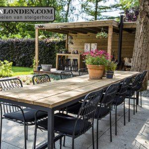 Steigerhouten overkapping en eettafel (Onze splinternieuwe meubelen op een rij)