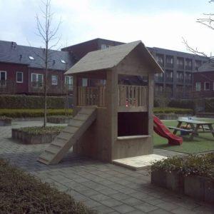 Steigerhouten speelhuizen op maat gemaakt