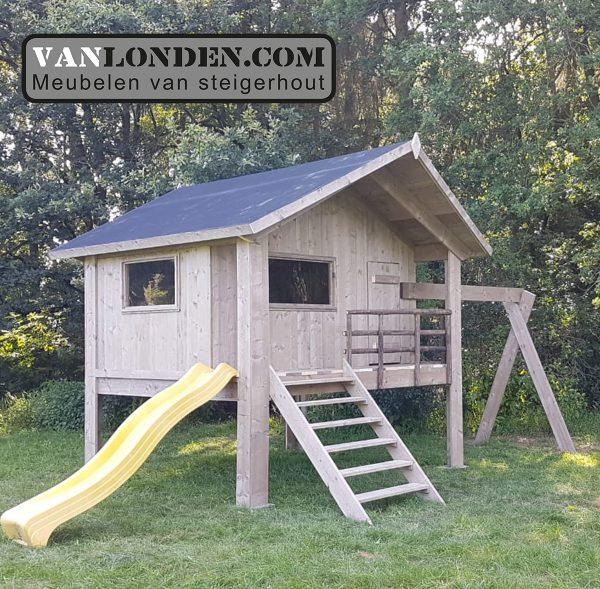 Steigerhouten speelhuis met glijbaan Denny (Steigerhouten speelhuizen op maat gemaakt)