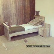 Steigerhouten bed Berend (Steigerhouten eenpersoonsbedden bestel je online bij VanLonden)