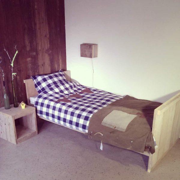 Steigerhouten eenpersoonsbed Boris (Steigerhouten eenpersoonsbedden bestel je online bij VanLonden)