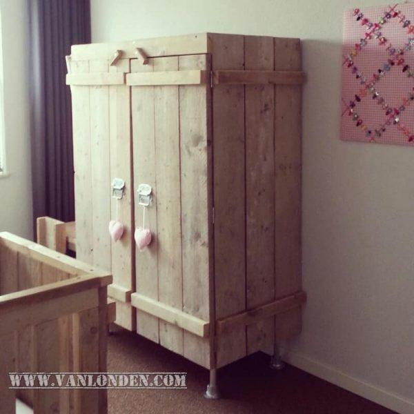 Steigerhouten kledingkast Kiki (Steigerhouten kledingkasten online bestellen)