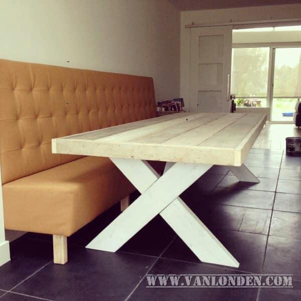 Steigerhouten tafel Renske (Steigerhouten eettafels online bestellen)
