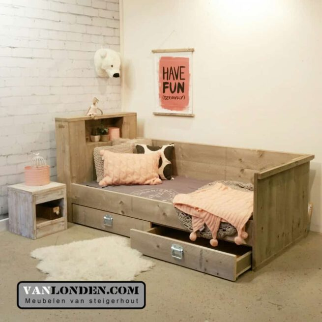 Steigerhouten bedbank met lades Jolie (Actieve steigerhouten zitbanken bestellen)