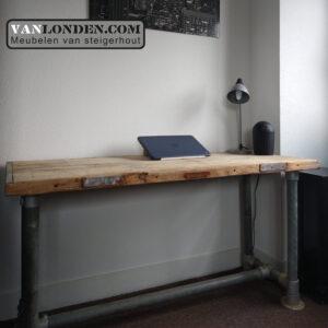 Steenschot houten bureau Jordy (Steigerhouten bureaus op maat gemaakt 2)
