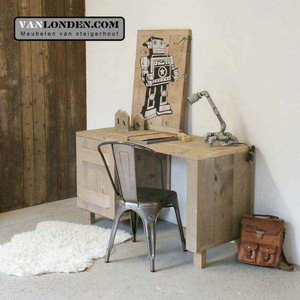Steigerhouten bureau Noud (Steigerhouten bureaus op maat gemaakt)