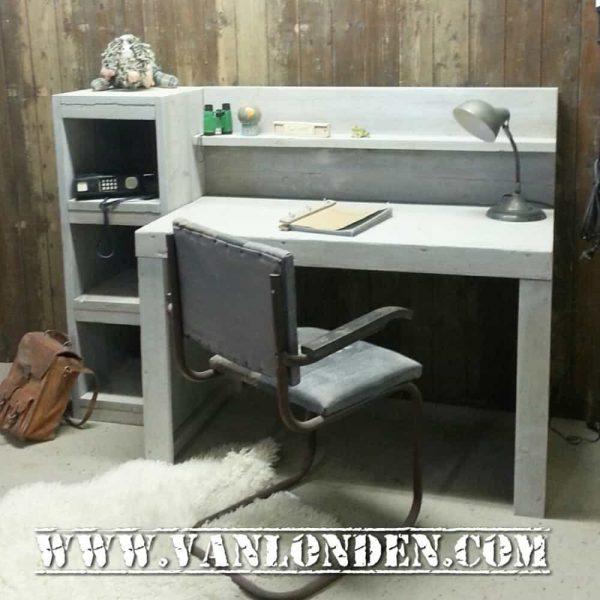 Steigerhouten bureau Ryan (Steigerhouten bureaus op maat gemaakt)