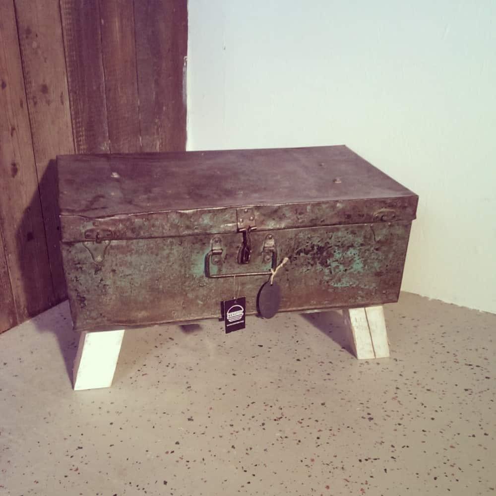 Metalen kist Luuk (Steigerhouten nachtkastjes online bestellen)
