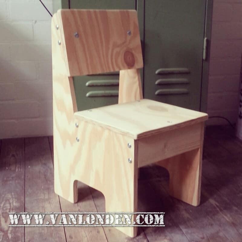 Houten kinderstoel Mark (Steigerhouten stoelen online bestellen)