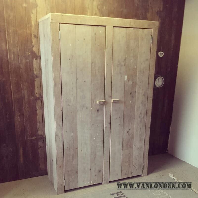 Steigerhouten kledingkast Kees (Steigerhouten kledingkasten online bestellen)