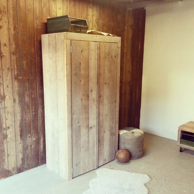 Steigerhouten kledingkast Timo (Steigerhouten kledingkasten online bestellen)