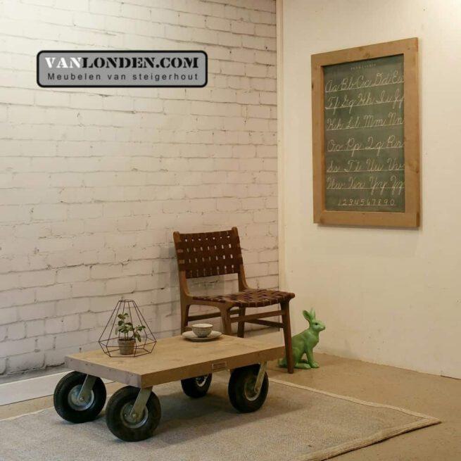 Steigerhouten salontafel op wielen Ger (Steigerhouten salontafels online bestellen)