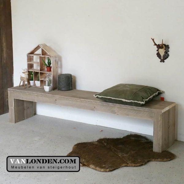 Steigerhouten side table - bankje Sonja (Actieve steigerhouten zitbanken bestellen)