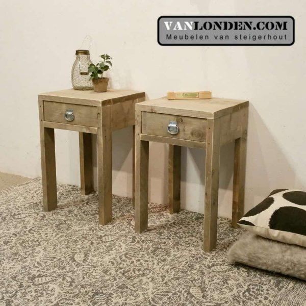 Steigerhouten side table Stella (Steigerhouten nachtkastjes online bestellen)