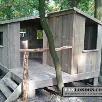 Steigerhouten speelhuis Dewi
