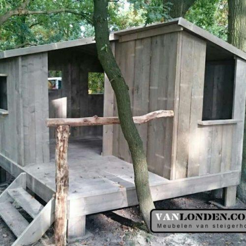 Steigerhouten speelhuis Dewi (Steigerhouten speelhuizen op maat gemaakt)