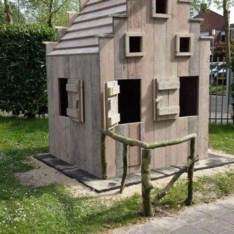 Steigerhouten speelhuis Jeroen