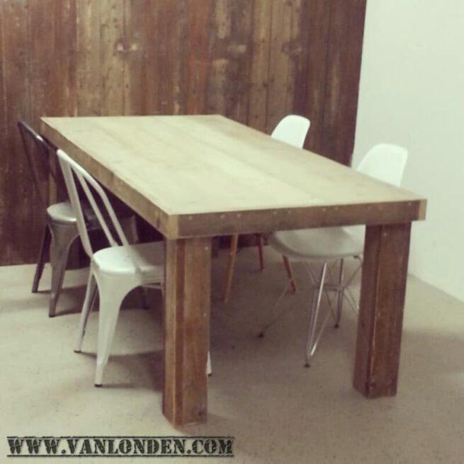 Steigerhouten tafel Tobias (Steigerhouten eettafels online bestellen)