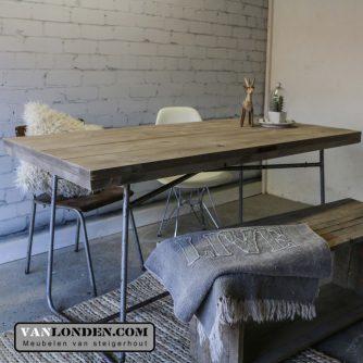 Steigerhouten tafel:bureau met stalen onderstel John