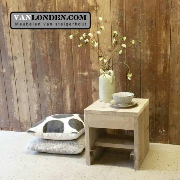 Steigerhouten tafeltje Tijn (Steigerhouten nachtkastjes online bestellen)
