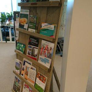 Steigerhouten tijdschriftenrek Isa (Opbergmeubels online bestellen)