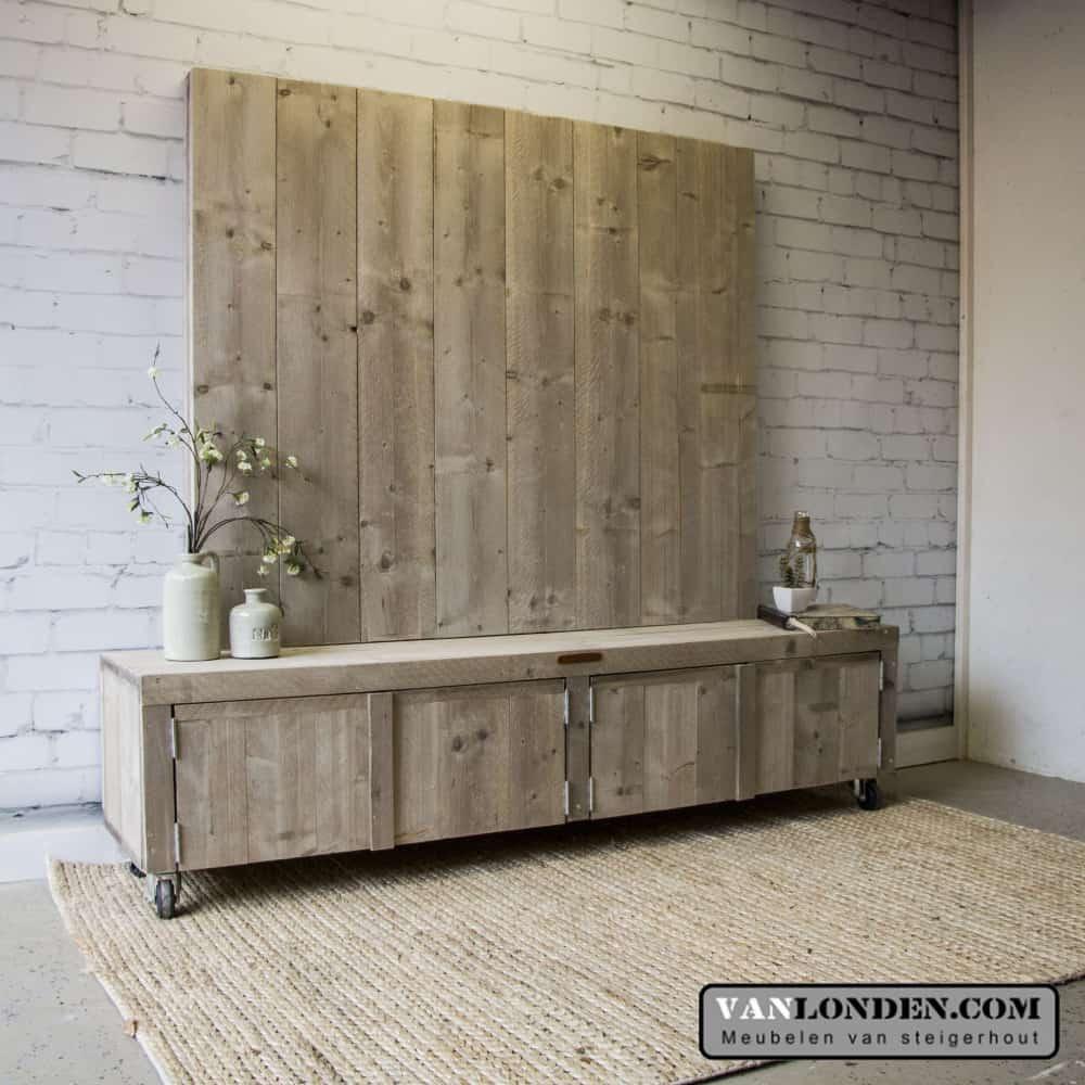Steigerhouten tv meubel met wand josien vanlonden for Steigerhout tv meubel maken