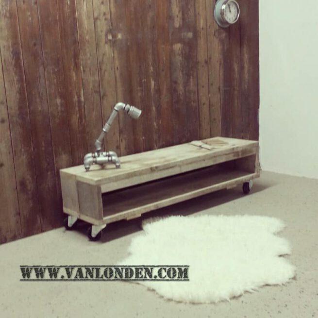 Steigerhouten tv-meubel Tygo (Steigerhouten TV-meubels op maat)