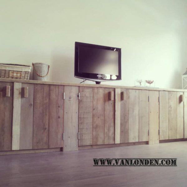 Steigerhouten tv-meubel Vera (Steigerhouten TV-meubels op maat)