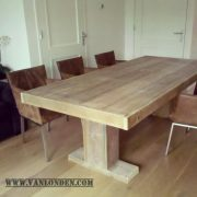 Steigerhouten tafel Indy (Steigerhouten eettafels online bestellen)